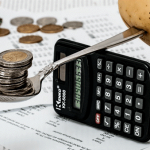 margin trading image illustration calculatrice monnaie