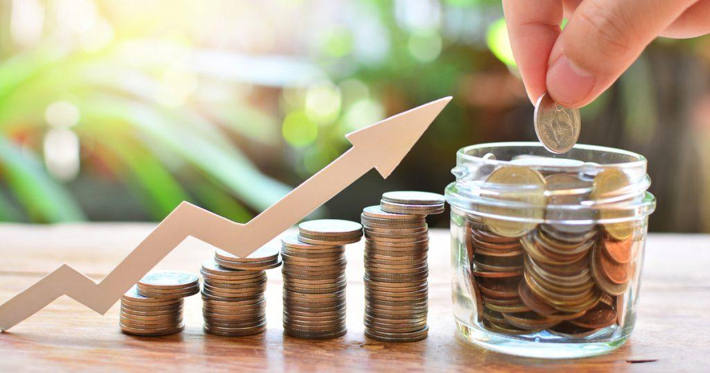 ratio cours bénéfice illustration croissance pile de pièces